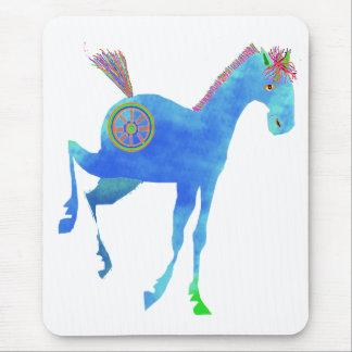 Hübsches Pony in den blauen Geschenken u. in den Mousepad