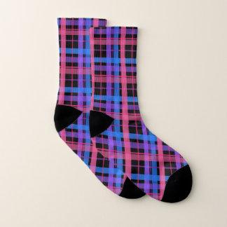 Hübsches schwarzes und Pastellkariertes! Socken