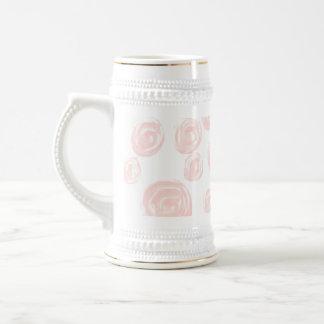 Hübsches weiches rosa Rosenmuster auf Weiß Bierglas
