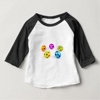 Huhn-Ostereier der Gruppe bunte gemalte Baby T-shirt
