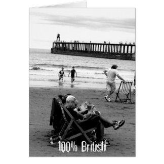 Humorvolle Briten an der Küste im Monochrom Karte