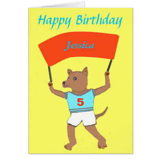 Hund, der Kindersnamen, Geburtstag hochhält Grußkarte