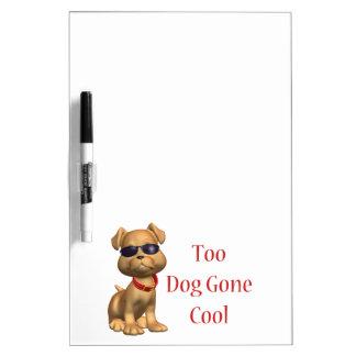 Hund gegangenes cooles Hündchen Trockenlöschtafel