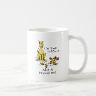 Hund tötete den angefüllten Bären Kaffeetasse