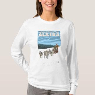 HundeSledding Szene - Denali Nationalpark, Alaska T-Shirt