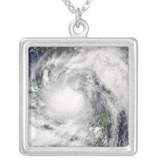 Hurrikan Alex Versilberte Kette