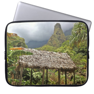 Hütte im Iao Tal-Staats-Park, Maui, Hawaii Laptop Sleeve