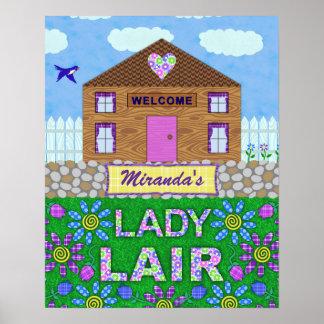 Hütten-personalisierter Name Damen-Lair Woman Cave Poster
