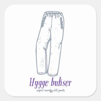 Hygge bukser: Feiern Sie alte bequeme Hosen! Quadratischer Aufkleber