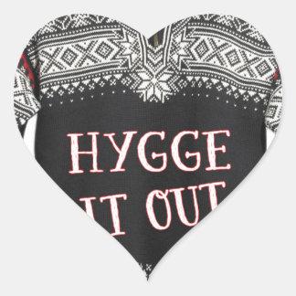 HYGGE ES HERAUS Herz-Aufkleber
