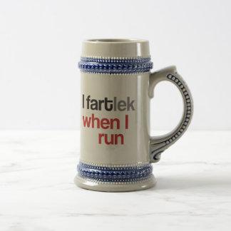 I FARTlek, wenn ich © - lustiges FARTlek laufen Bierkrug