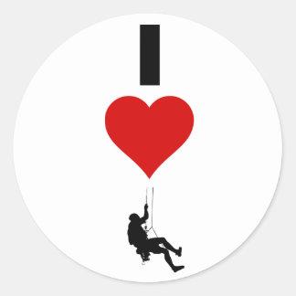 I Liebe-Gebirgsklettern (Vertikale) Runder Aufkleber