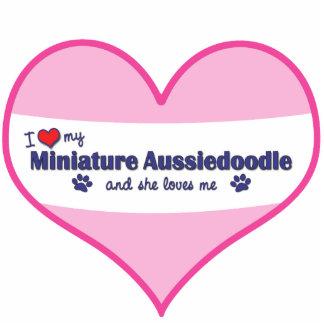 I Liebe mein MiniaturAussiedoodle (weiblicher Hund Fotoausschnitt