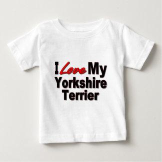 I Liebe meine Yorkshire-Terrier-Hundegeschenke und Baby T-shirt