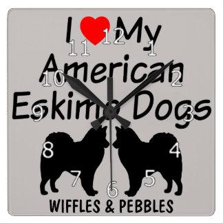 I Liebe meine zwei amerikanischen Eskimohunde Quadratische Wanduhr