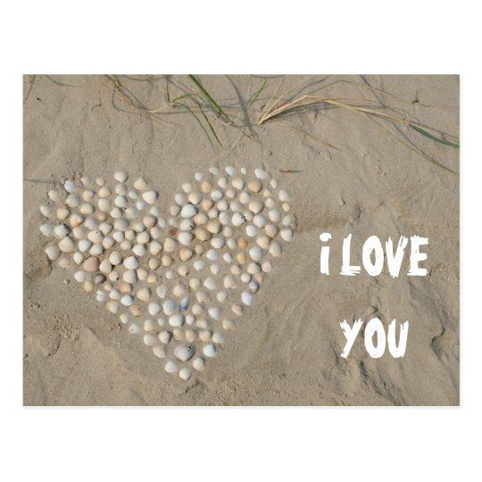 I LOVE YOU - Herz aus Muscheln am Strand Postkarte