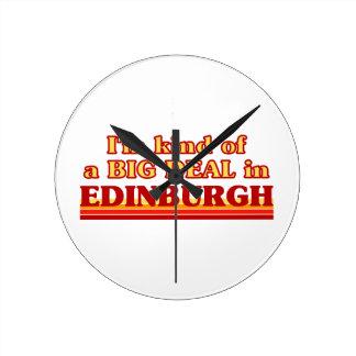 I´m Art einer großen Sache in Edinburgh Runde Wanduhr