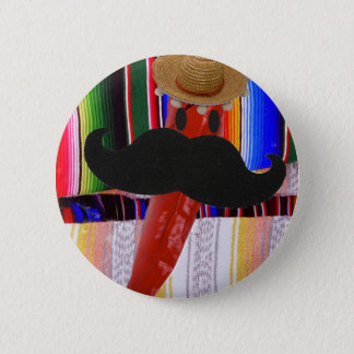 I Schnurrbart… ist es eher Paprika! Runder Button 5,7 Cm