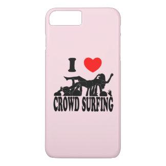 I surfende Liebe-Menge (Frau) (Schwarzes) iPhone 8 Plus/7 Plus Hülle
