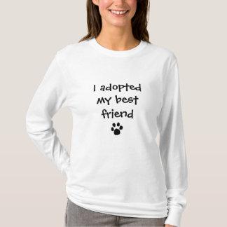 """""""Ich adoptierte meinen besten Freund"""" durch die T-Shirt"""