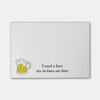 Ich benötige ein Bier-Post-Itanmerkungen Post-it Klebezettel