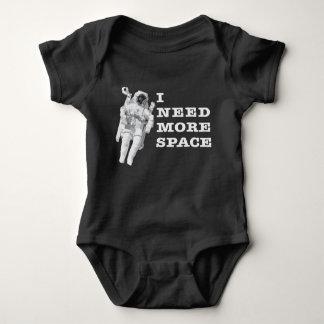Ich benötige mehr Raum Baby Strampler