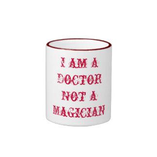 Ich bin ein Doktor Not ein Magier Ringer Tasse