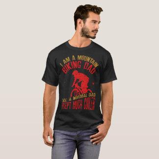 Ich bin ein Gebirgsradfahrender Vati - lustige T-Shirt