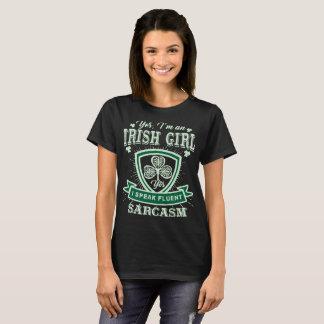 Ich bin ein irisches Mädchen, das ich fließenden T-Shirt