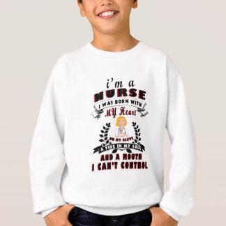 Ich bin eine Krankenschwester, die ich mit einem Sweatshirt