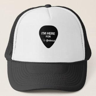 Ich bin hier für den Gitarristen Truckerkappe