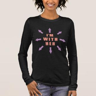 """""""Ich bin mit ihr"""" mit Pfeilen Langarm T-Shirt"""
