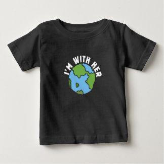 ich bin mit ihrer Erde Baby T-shirt