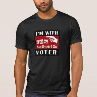 Ich bin mit niedrigem Informations-Wähler-T - T-Shirt