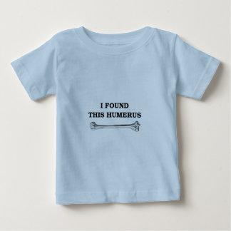 ich fand diesen Humerus Baby T-shirt