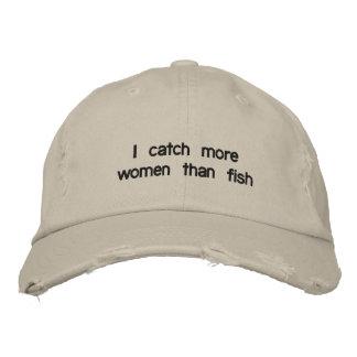 Ich fange mehr Frauen als Fische Bestickte Baseballkappe