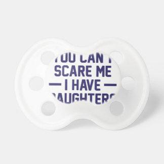 Ich habe Töchter Schnuller