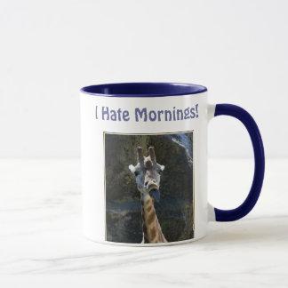 Ich hasse Morgen, die Giraffe, die heraus Zunge Tasse