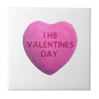 Ich hasse Valentinstag-rosa Süßigkeits-Herz Kleine Quadratische Fliese