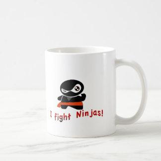Ich kämpfe Ninjas Kaffeetasse