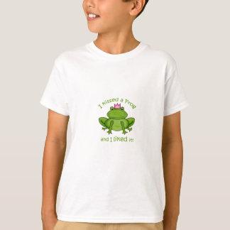 Ich küsste einen Frosch T-Shirt