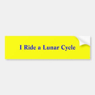 Ich reite einen Mondzyklus Autoaufkleber