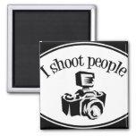 Ich schieße Kamera B&W des Leute-die Retro Fotogra Kühlschrankmagnete