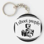 Ich schieße Kamera B&W des Leute-die Retro Fotogra Schlüsselanhänger