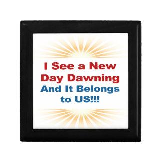 Ich sehe, dass das neues Tagesdämmern und -es uns Erinnerungskiste