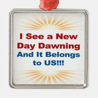 Ich sehe, dass das neues Tagesdämmern und -es uns Silbernes Ornament