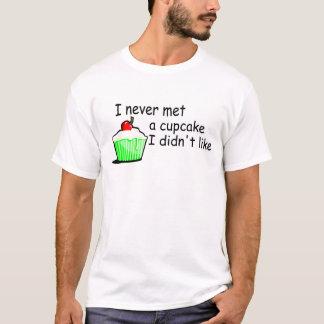 Ich traf nie einen kleinen Kuchen, den ich nicht T-Shirt