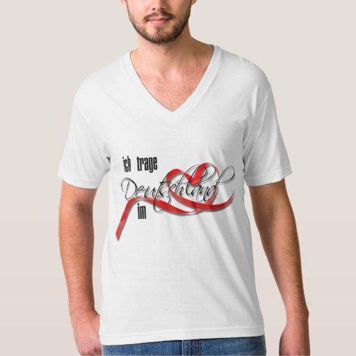 Ich trage Deutschland im Herzen T Shirts