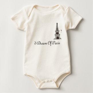 Ich träume von Paris, 2 Baby Strampler