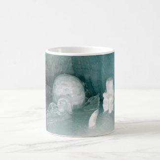 Iglu und Eskimo im Eis Kaffeetasse